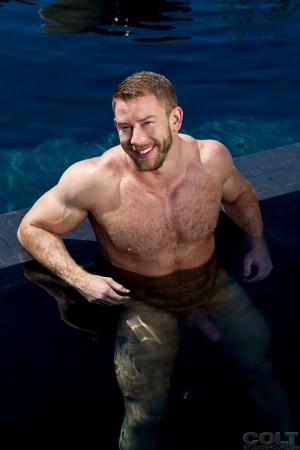 wet-naked-men